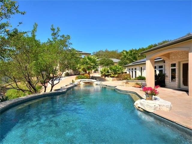 New Listing! Relaxing pool-house retreat