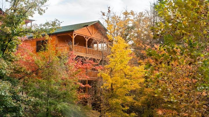 BRAND NEW 2 Bedroom/2 story Cabin Gatlinburg Falls