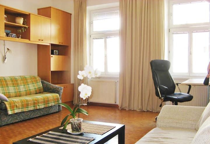 A Bright 1-Room Apartment 40qm