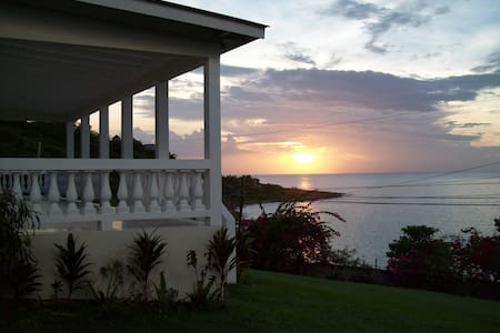Villa with Private Beach (Rm 2) - Lucea
