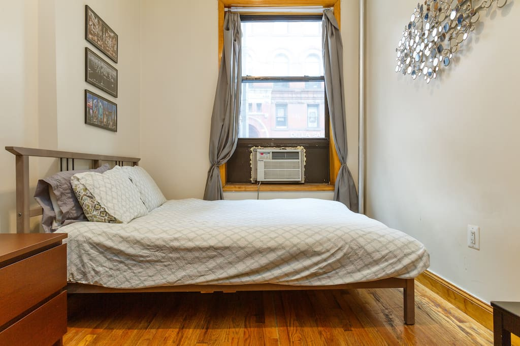 Times Square, Queen Bed, Big Futon!