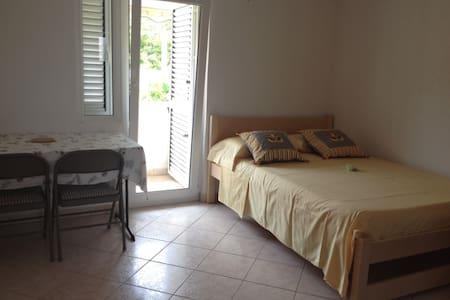 Villa Maria, Studio Citrus - Veli Iž