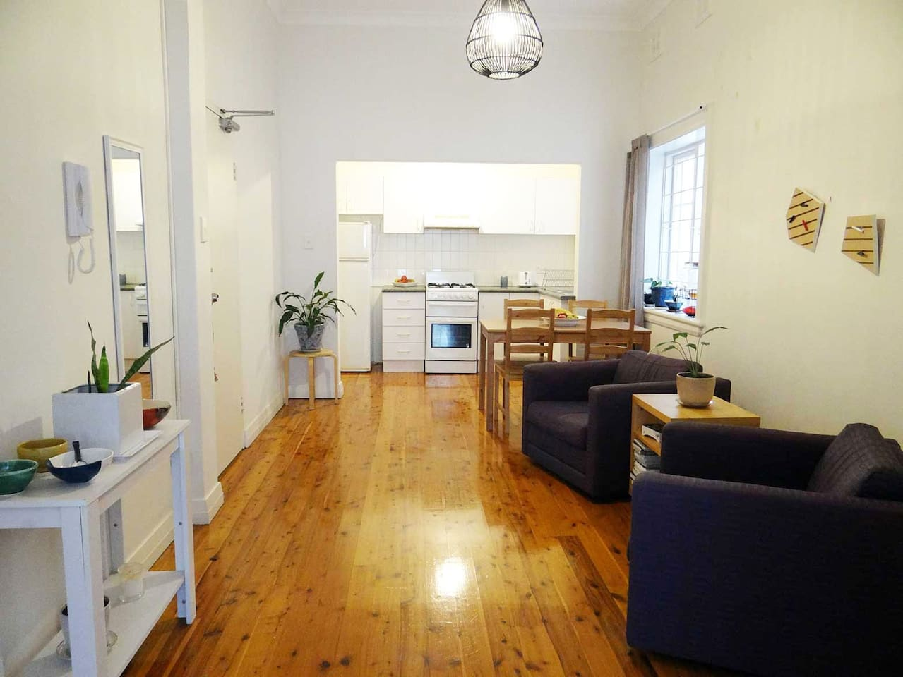 One bedroom apartment 10 mins from CBD