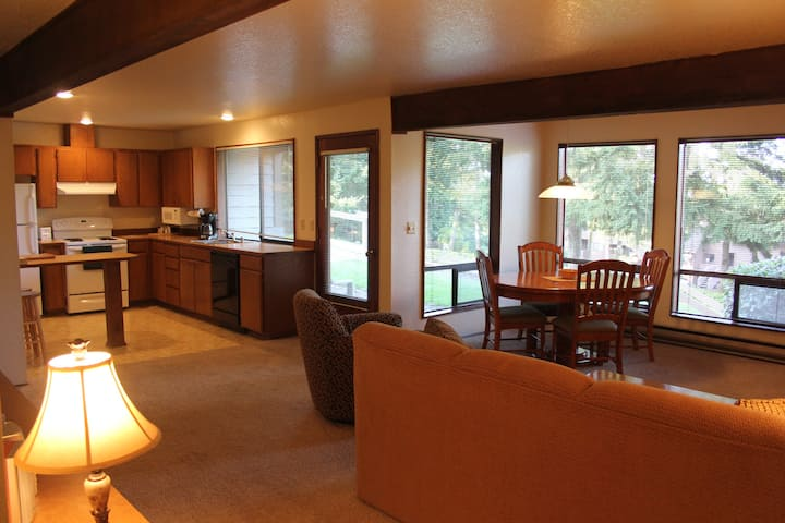 Timeshare Condo - Kala Point - Pt. Townsend (7D)