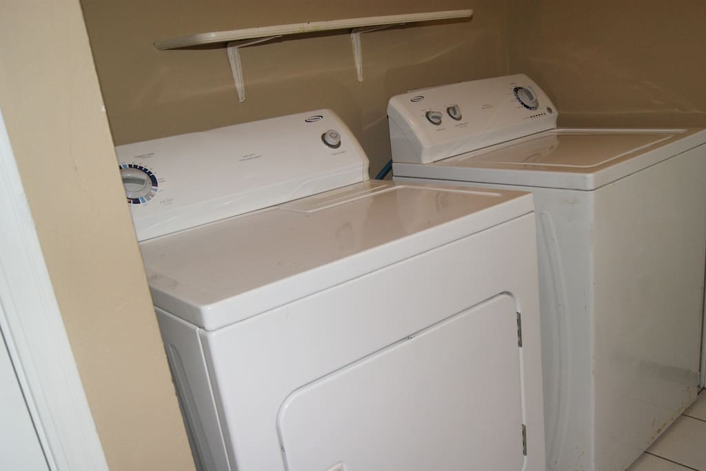 Washer / Dryer in Utility Room