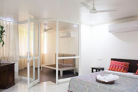 STUDIO APARTMENT 37 HKV - New Delhi