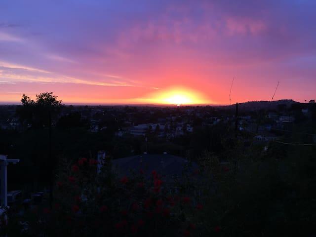 Sunset Studio - convenient to SD! - La Mesa - Dům