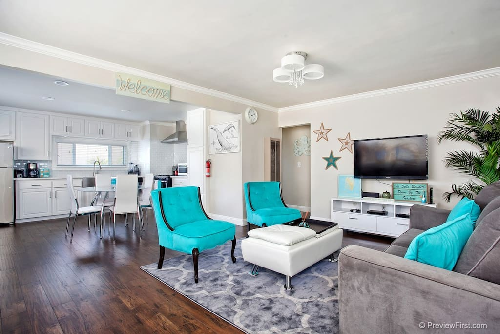 Stylish Hotel-Style Living. Open living area & kitchen perfect for entertaining.