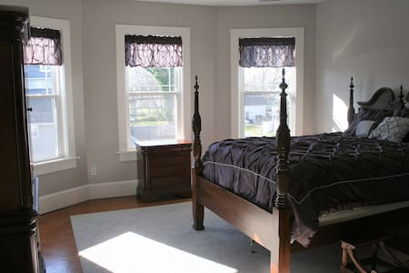 Totally Renovated- bayside, historical town - Cape Charles - 独立屋