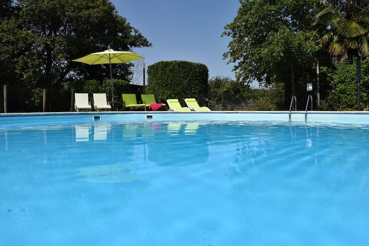 106m2 for 5 guests in the countryside 2km Bergerac