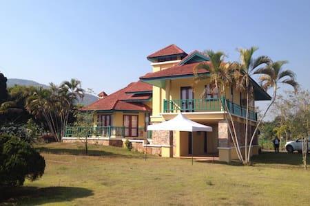 บ้านสวนสวย - House