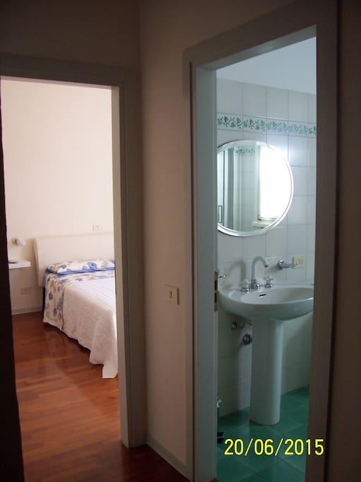 Disimpegno notte camera matrimoniale e bagno