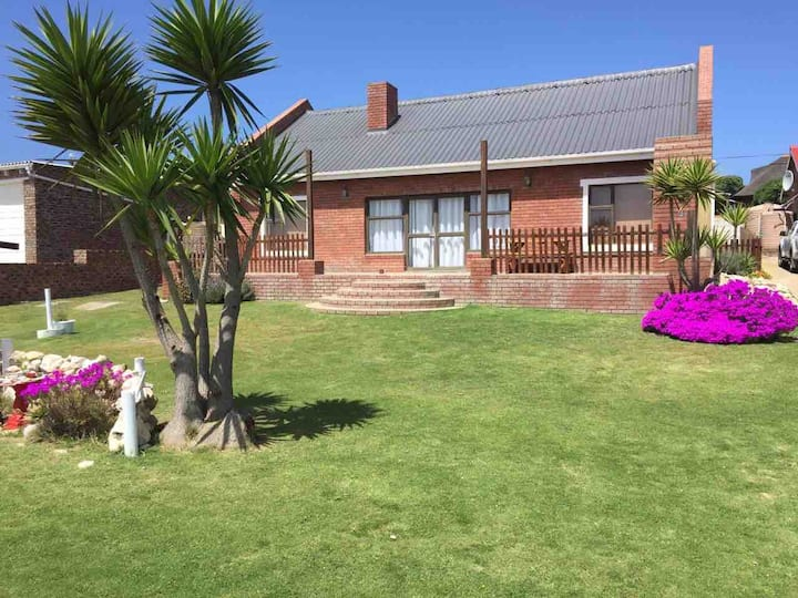 Smitsand - Self catering holiday home near river.