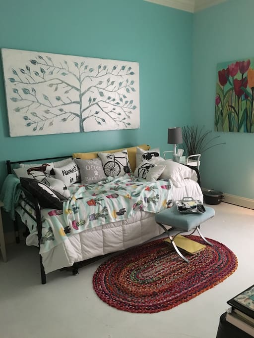 2nd Bedroom with Trundle Bed