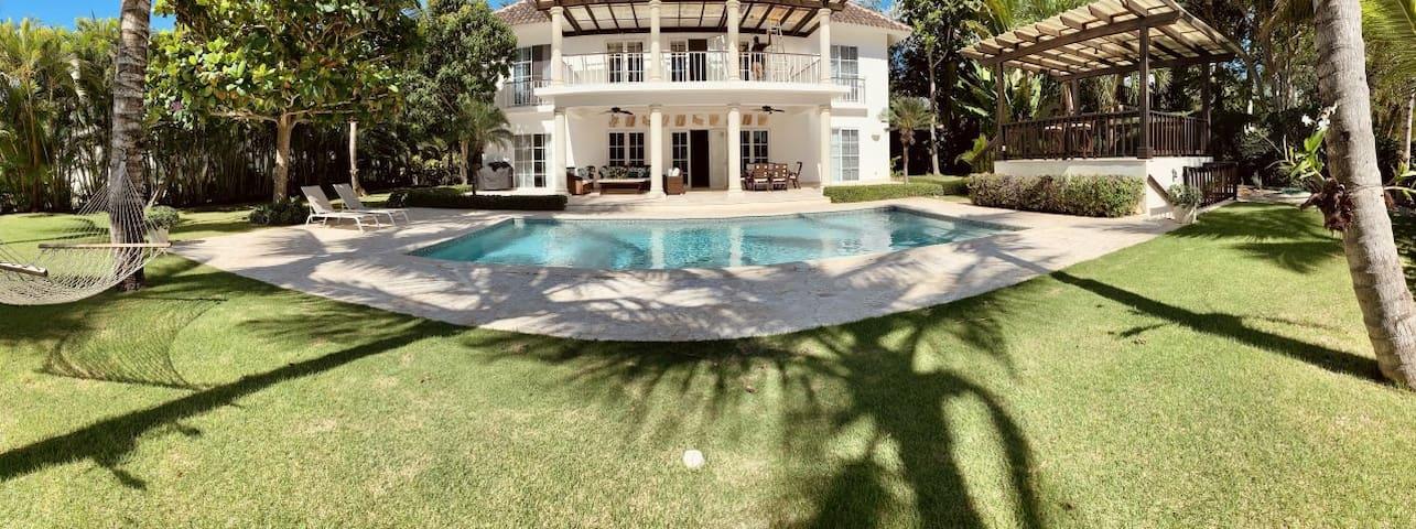 Pool- Beach & Bbq Punta Cana Villa.