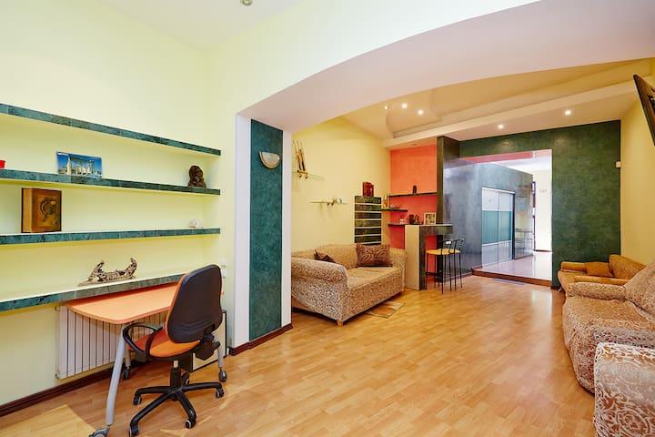 Apartment Deribasovskaya with jacuzzi