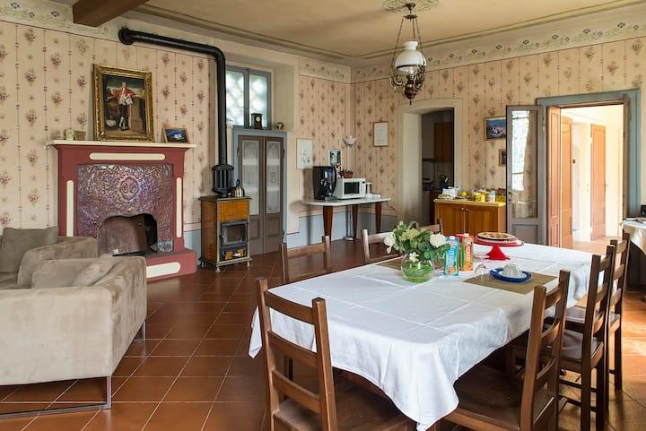 """Appartamento  in Villa Neo Classica """"Il Giardino"""""""