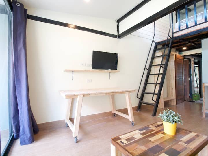 LOFT by the temple in BKK city-wifi