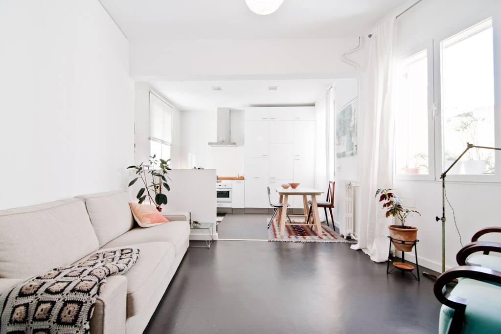 Habitacion con ba o propio apartamentos en alquiler en for Alquiler habitacion plaza espana madrid