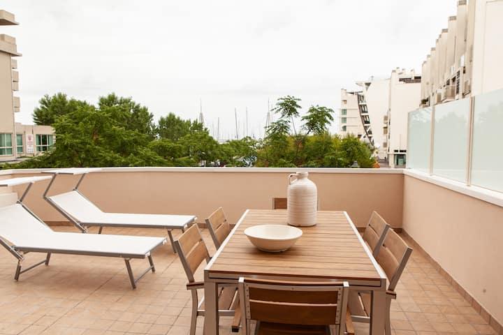 Lussuoso appartamento con terrazza vista mare