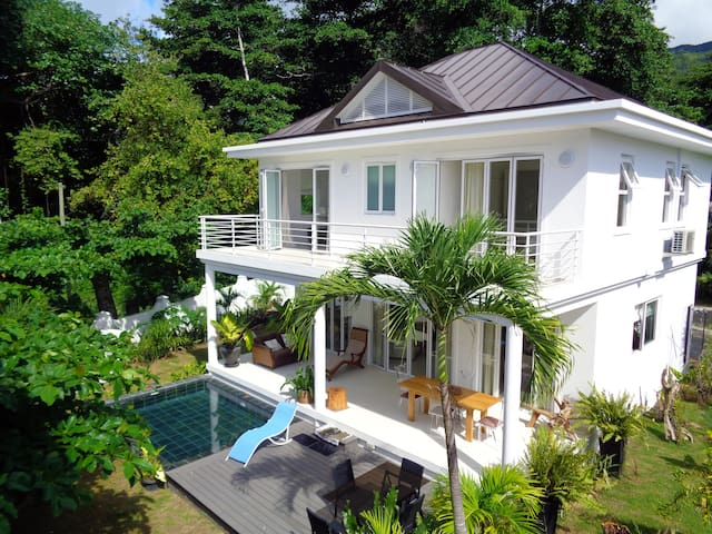 Las Brisas beachfront luxury villa - Beau Vallon - Villa