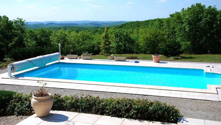 L' Hirondelle - Peyrillac-et-Millac - Hus