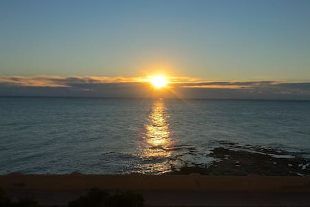 Front Line apartment right on the sea. - Torrevieja