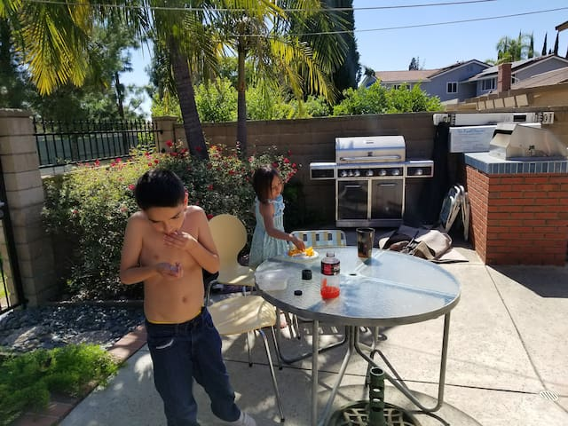 One Room 3 Beds 2 Roomates Houses For Rent In Yorba