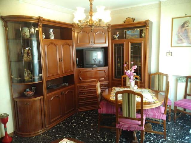 """Appartamento al Mare da """"Nonna Assunta""""Ventimiglia"""