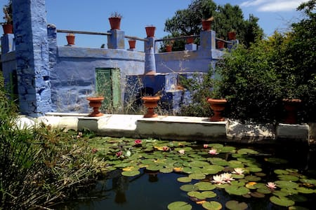 Small cottage on Greek island - Syros