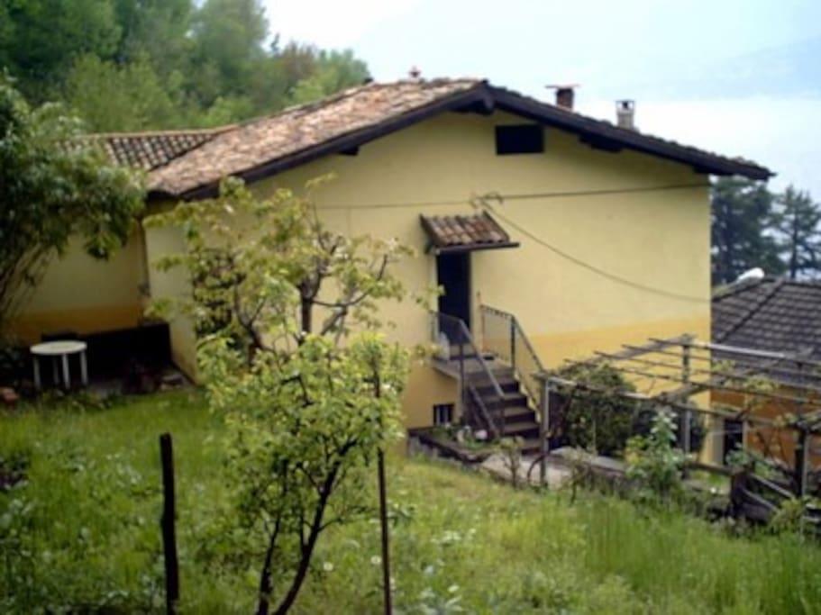 esterno casa e terreno