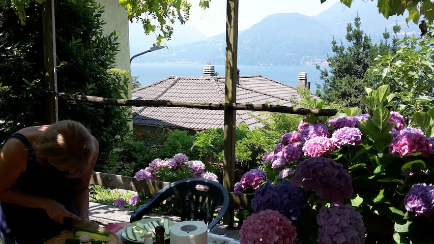 Wonderful lake view - Bellano - Hus