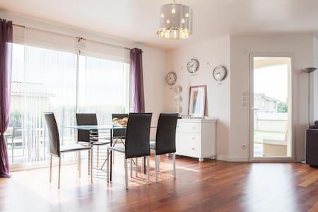 Maison 135 m2 /spa/8 pers Bordeaux - Carignan-de-Bordeaux - Haus