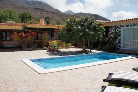 Beautiful villa with stunning view - Adeje