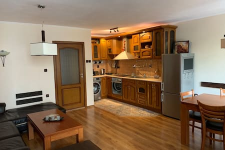 @Linas: luxury and safe 1 bedroom apartment