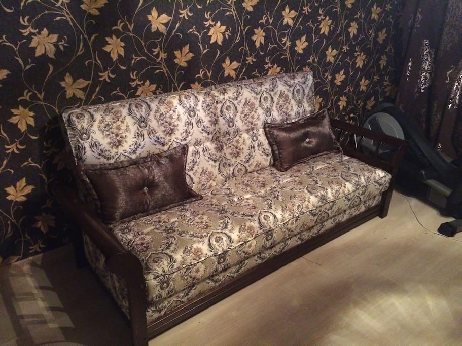 раскладной двуспальный диван