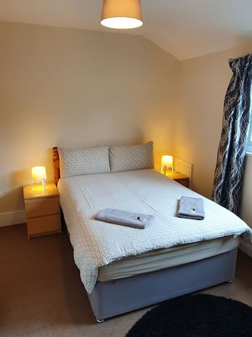 Carlisle Central. Ideal location. Private room