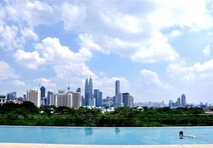 Stay in the heart of KL just 3 mins walk to LRT!! - Kuala Lumpur - Selveierleilighet
