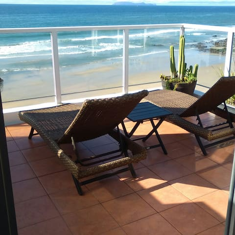 Beautiful 3BR Bi-level corner penthouse apartment - Rosarito
