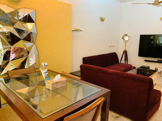 ★★SPECTACULAR 5 star apartment in South Delhi ★★