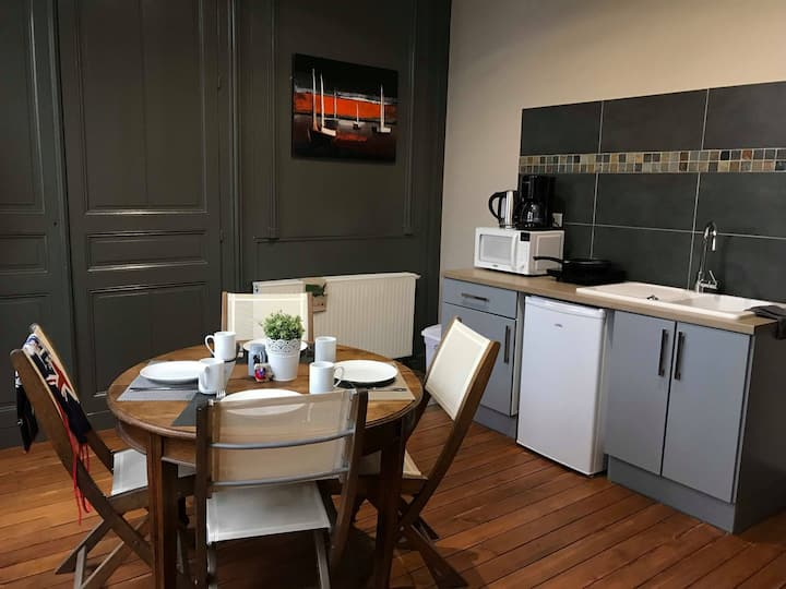 The nest, a furnished flat with balcony in Somme