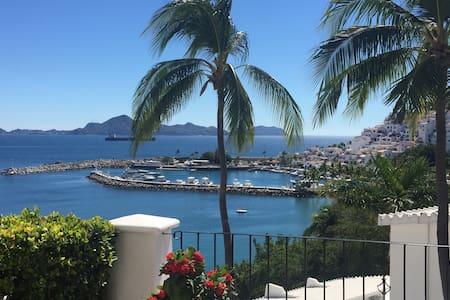La mejor vista de Manzanillo y Puerto Las Hadas - Manzanillo - Appartement