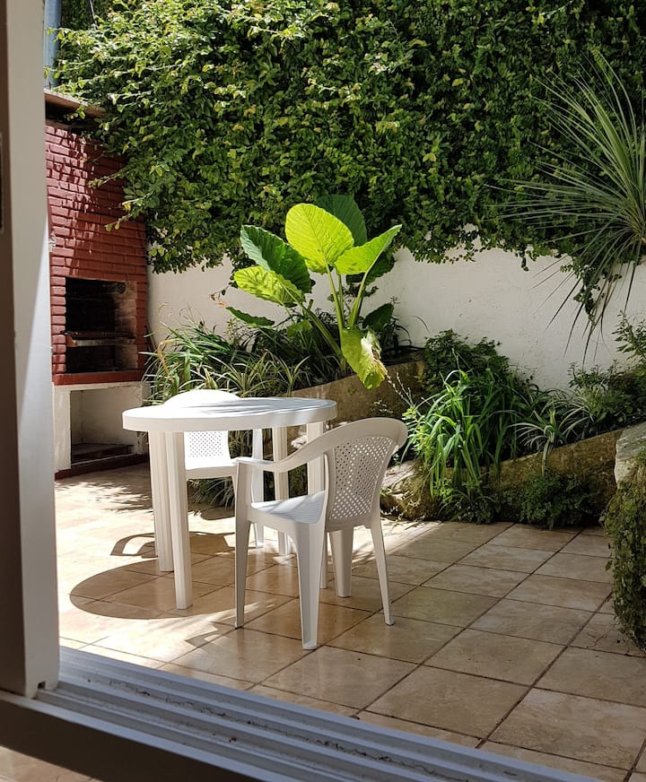 Playa Grande - Dpto patio-terraza-parrilla privado
