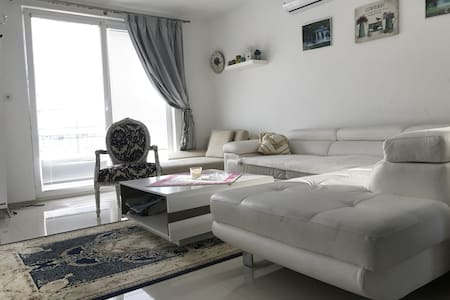 New House located 1 km from the Spa Island - Banka - House