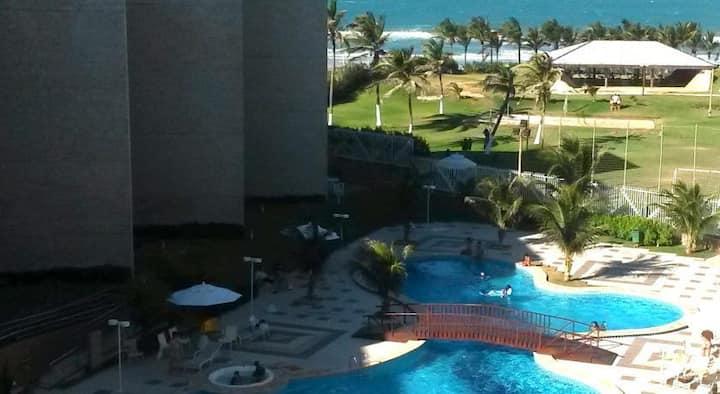 Ap. 03 suites vizinho ao Beach Park