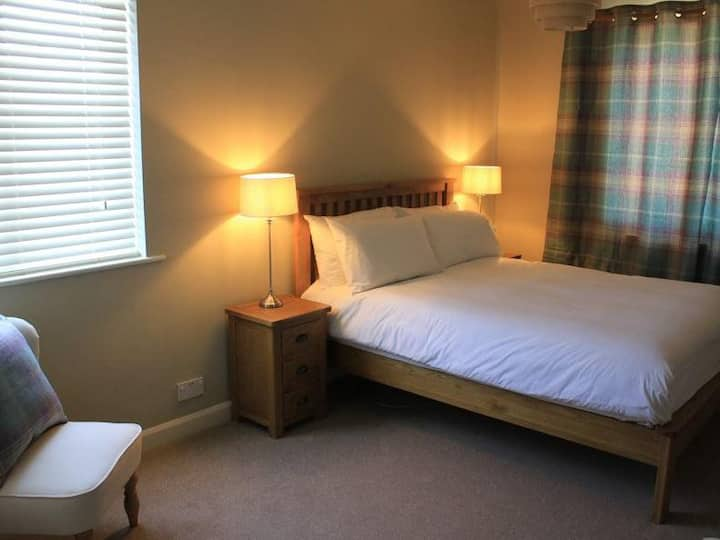 Large Double Room with En-suite Shower