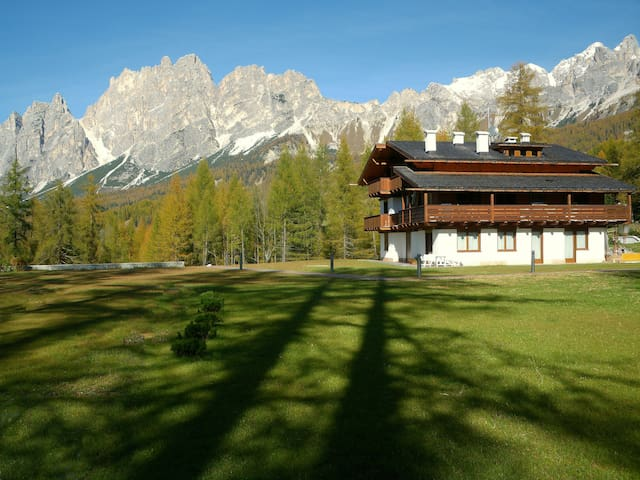 CORTINA AT 10 MINUTES WALK; UNFORGETTABLE VIEW!!!