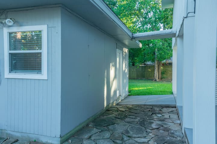 Detached guest suite for ultimate privacy