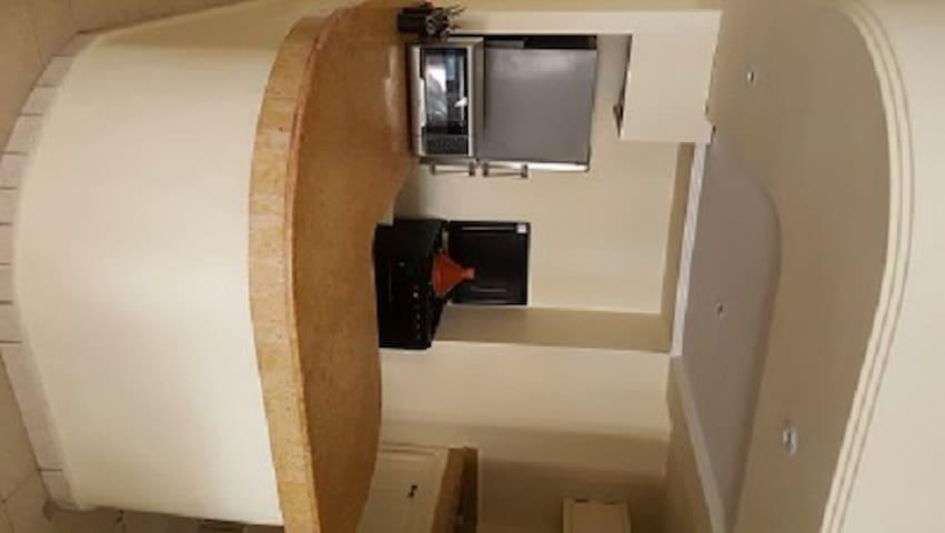 Un logement renové et équipé à neuf à guéliz - Marrakech - Lägenhet