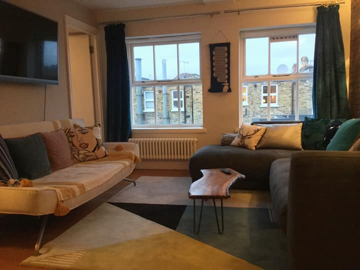 Stylish 2 bed flat near Shoreditch & Victoria Park